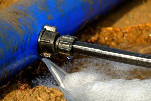 Detección y reparación de fugas de agua en piscinas